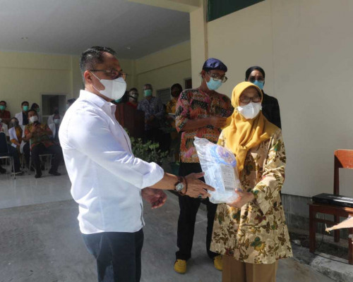 RSUD Haulussy Terima Bantuan Alkes dari Pemkot Bekasi